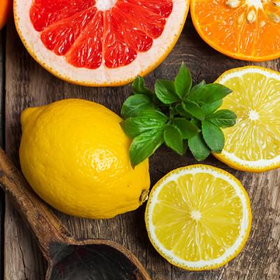 Lemon-Grapefruit-Spoon-Wooden-Citrus-Fruit-Chamomile-Therapies-Clinical-Aromatherapy-Berkhamsted